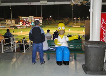 Statua di Homer Simpson a Isotopes Park