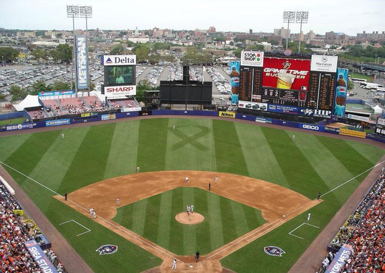 http://www.baseballpilgrimages.com/national/shea.jpg