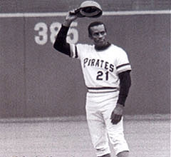 Roberto Clemente joins the 3,000 hit club (1972)