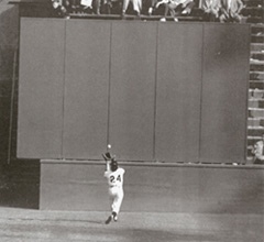 Willie Mays makes The Catch (1954)